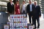 2011.05.30_remise_petition_lunettes