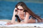 Pourra-t-on bientôt téléphoner depuis la plage sans y laisser son slip? Photo Shutterstock / Aleksandr Markin