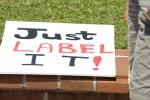 Les OGM et leur étiquetage sont une des grandes préoccupations des consommateurs, en Suisse et ailleurs (ici une manifestation anti-Monsanto en Floride). Photo Cheryl Casey / Shutterstock.com