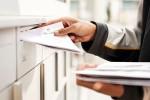 Avec le courrier A Plus, le facteur n'a pas besoin d'obtenir une signature du client. © La Poste