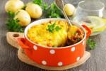 Pour varier les goûts, ajouter un reste de légumes à la viande, comme des dés de tomates. Shutterstock.com