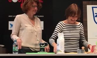 Savez-vous confectionner des tortellini? Démonstration magistrale d'Annick Jeanmairet (à d.) avec la complicité de Nicole Bardet - DR