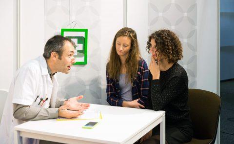 Pour apprendre à dialoguer avec son médecin ou son pharmacien, quoi de mieux qu'un jeu de rôle? – Aude Haenni