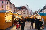Le marché de Noël de Strasbourg en Alsace, une institution qui voit affluer des hordes de touristes. Hadrian/Shutterstock.com