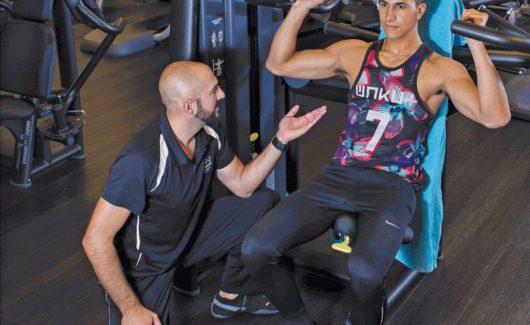 Fitness des 13-16 ans: du muscle, et vite – même à n'importe quel prix