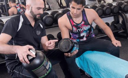Des protéines à boire pour la prise de muscles: choisir ou renoncer?