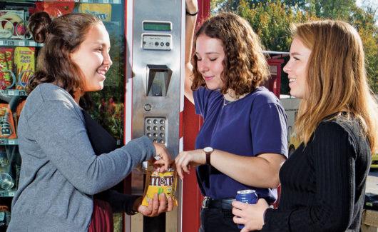 Snack et soda: faut-il interdire les distributeurs dans le cadre scolaire?